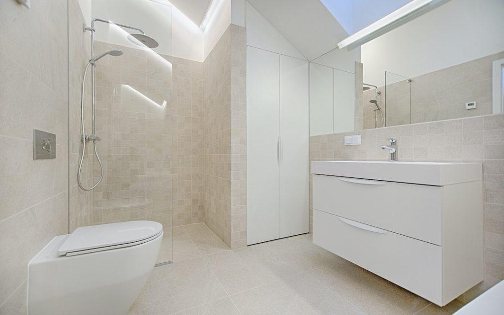 günstige Badezimmermöbel